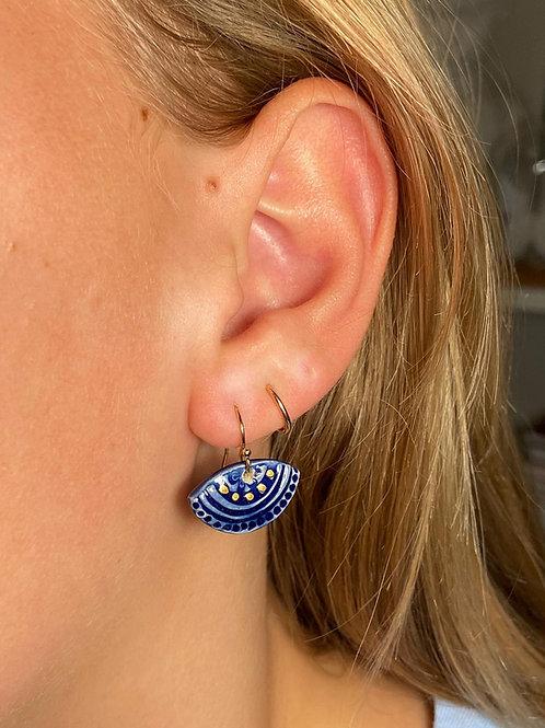 Boucles d'oreilles bleu cobalt courtes, gold filled