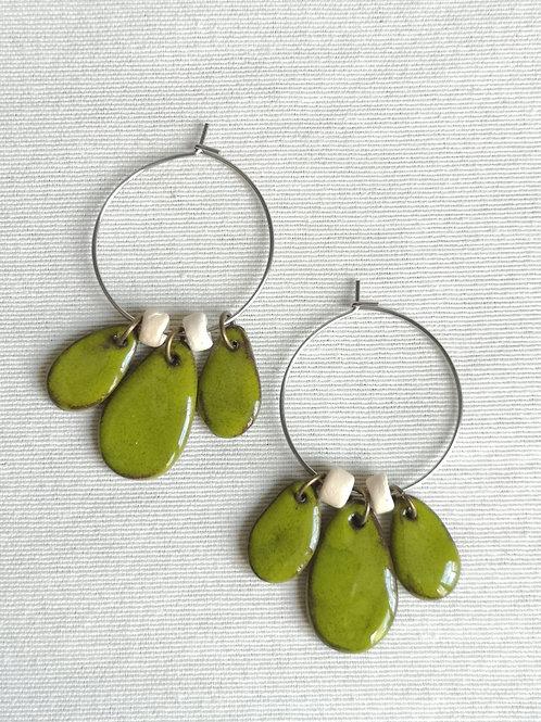Boucles d'oreilles type créoles multi-pampilles Vert Printemps