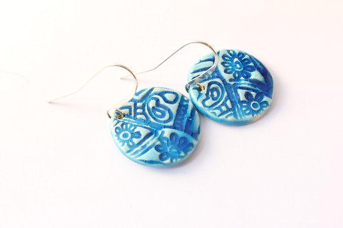 """Boucles d'Oreilles courtes bleues turquoises motif """"indien"""""""