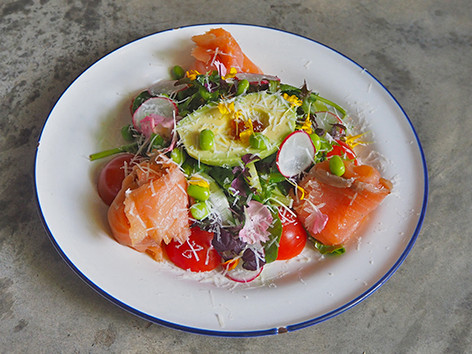 Smoked Salmon Avocado Salad