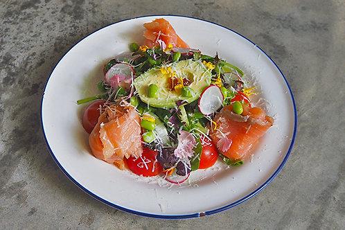 Smoked Salmon & Avocado Salad *