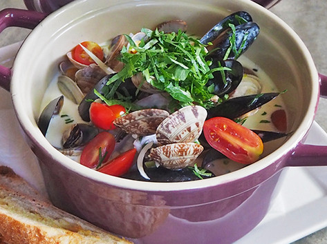 Pot of Mussels & Clams