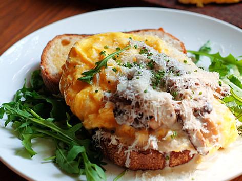 Truffle Eggs & Mushrooms (V)