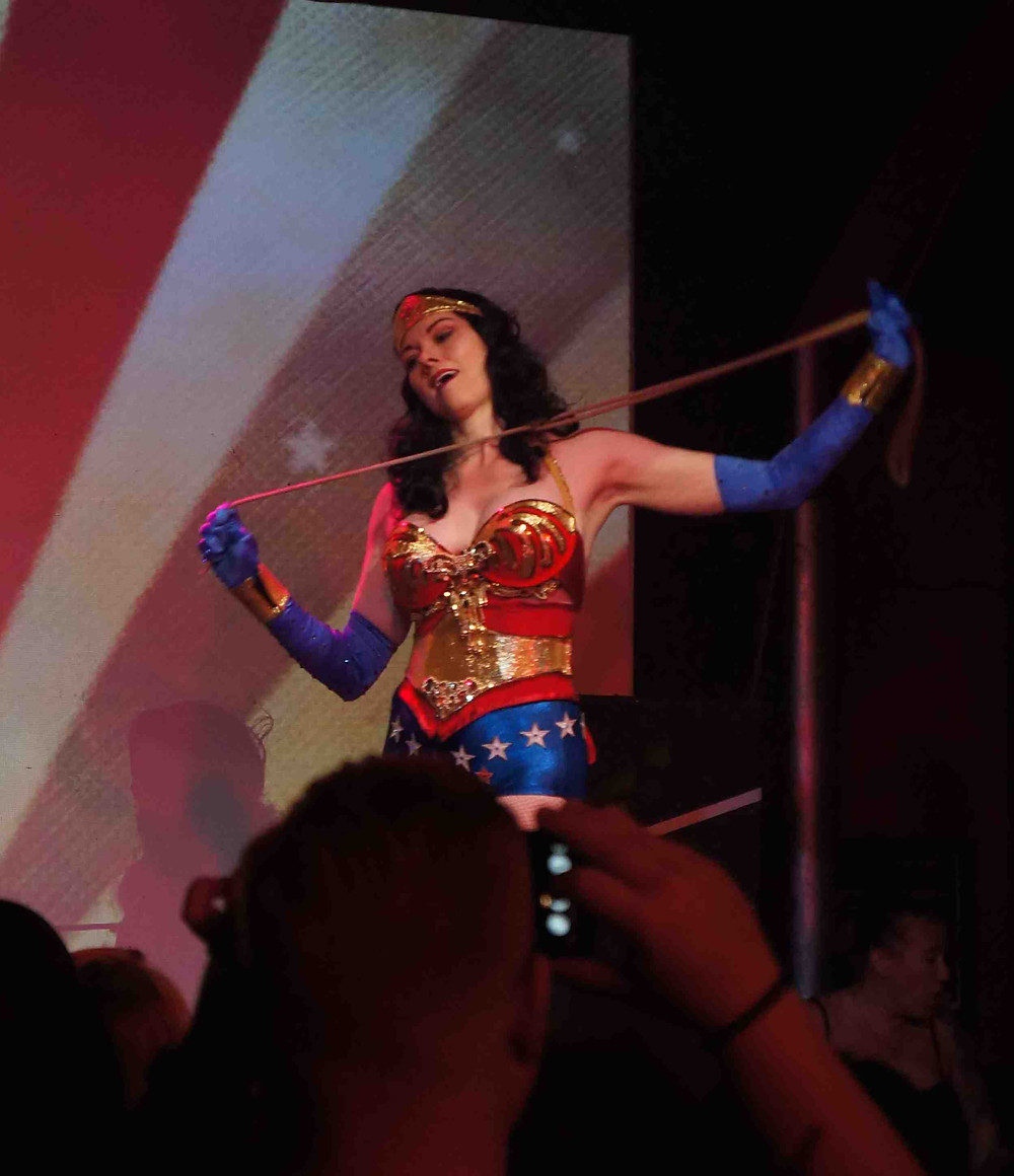 Burlesque wonder woman
