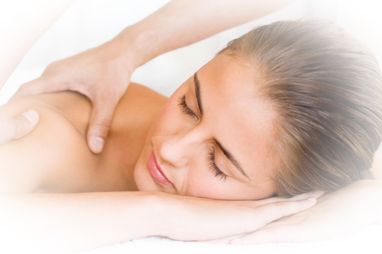 Nourish Neck and Back Relax