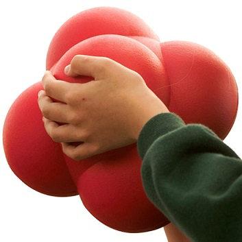 כדור תגובה ענק לשיפור הזריזות והקואורדינציה