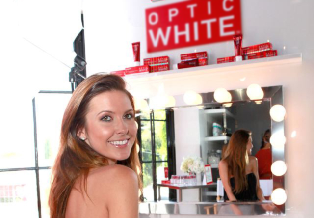 OPTIC WHITE new beauty image v3