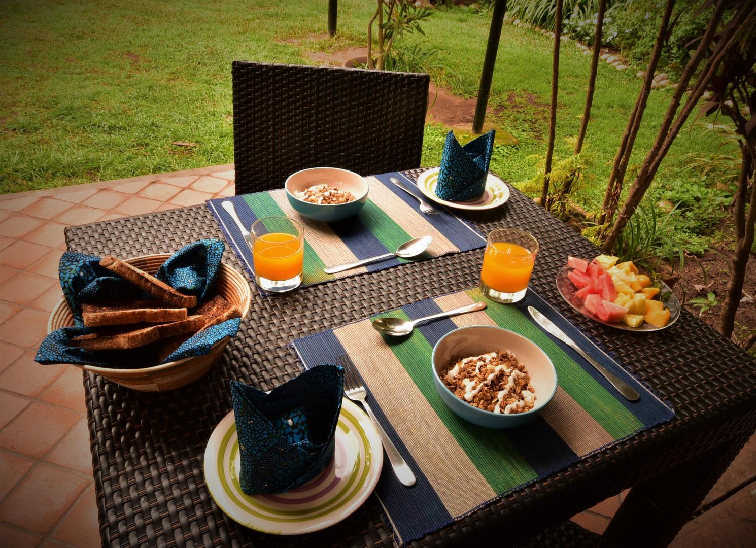 Table Set-Up Breakfast.jpg