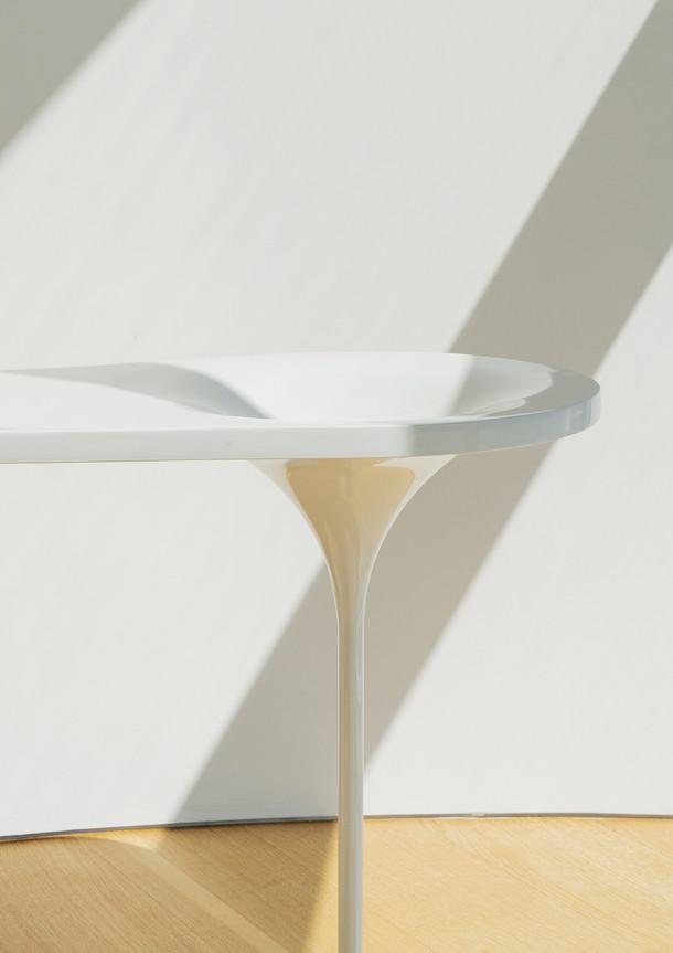 vanity table