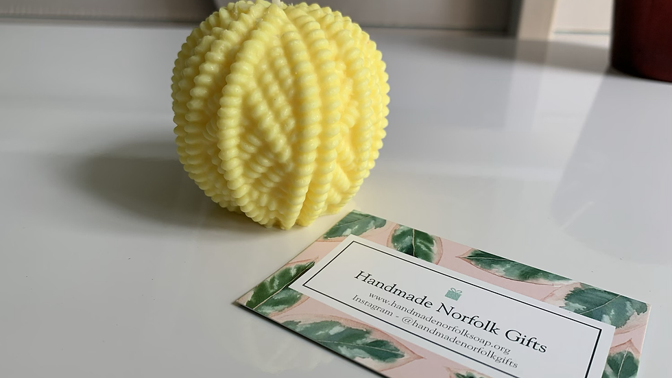 Knitted Ball Candle