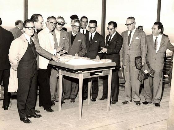 Visita de magistrados mineiros às obras da Usina de Furnas.    Agosto, 1959  J. R. Nonato