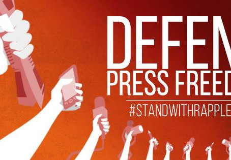 Media and public #StandWithRappler after latest arrests