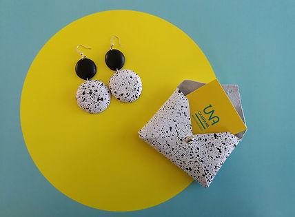 תכשיט של המעצבת מאיה חנה לאטי כפי שהיא צילמה אותו בסדנאת צילום תכשיטים בסמארטפון