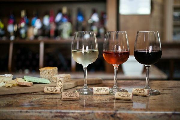 Tasting-Room-02-wine-potomac-point.jpg