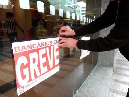 Bancários rejeitam nova proposta salarial e greve continua afetando paraibanos