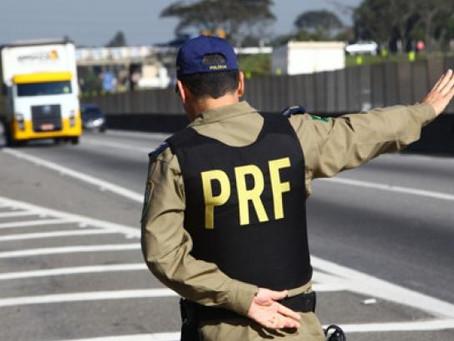 PRF inicia Operação Carnaval e restringe tráfego de bitrens e cegonhas; veja esquema