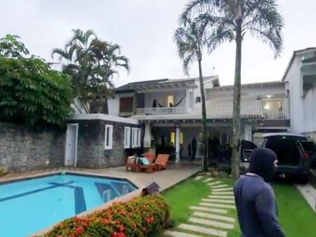 Suspeito de chefiar milícia é preso em casa de luxo em condomínio na Barra da Tijuca, no Rio