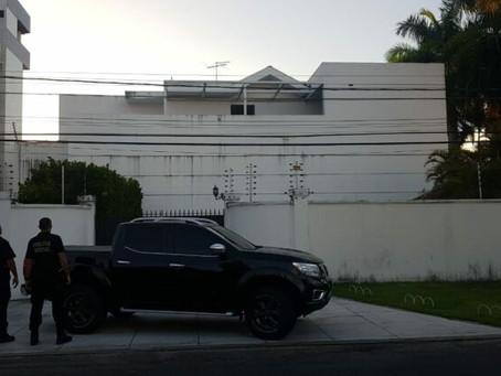 Empresário Roberto Santiago é preso pela Polícia Federal