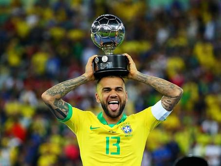 Copa América põe Daniel Alves na mira do Manchester City