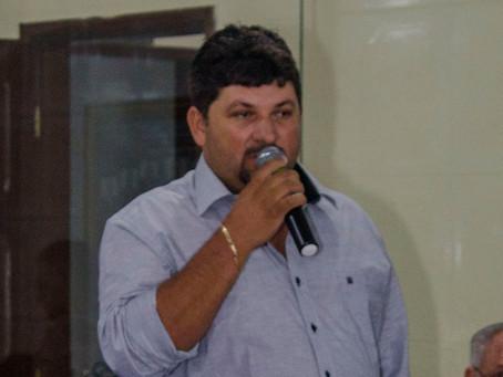 Presidente da Câmara de vereadores de Araruna antecipa  13º salário dos funcionários da casa