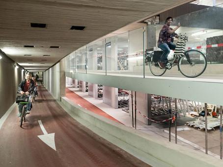 Cidade holandesa inaugura maior estacionamento de bicicletas do mundo