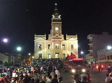 Centenas de católicos se despedem de Dom Marcelo Carvalheira em Guarabira; fotos e vídeo