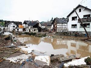 Onda de mau tempo mata mais de 100 pessoas na Alemanha