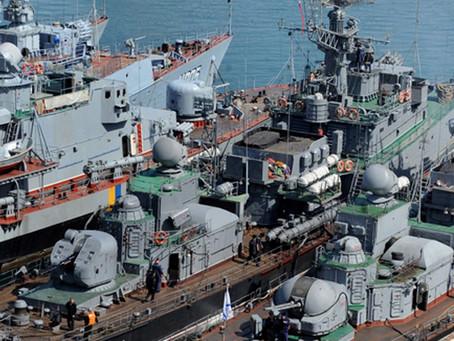 Rússia captura três navios militares ucranianos e Kiev mobiliza tropas