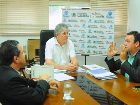 Governador Ricardo Coutinho nomeia os professores Rangel Junior e Flávio Romero como reitor e vice d