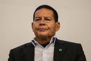 """Mourão desabafa: """"É chato deixar o vice fora de reuniões com ministros"""""""