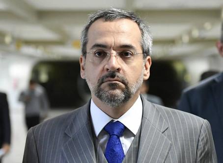 Expansão do ensino superior nos governos passados foi 'uma tragédia', afirma ministro da Edu