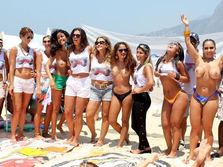 Mulher Melão faz campanha em prol do topless (veja as fotos)