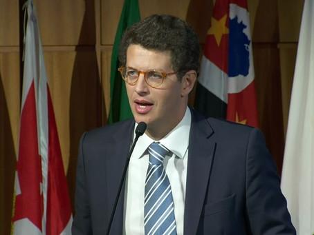 Ministro do Meio Ambiente, Ricardo Salles, é internado em Brasília