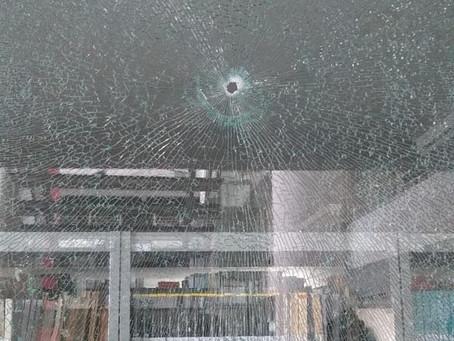 Tiroteio na UEPB deixa segurança ferido e assusta alunos e funcionários, em Campina Grande