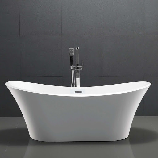 White freestanding bath with chrome freestanding taps in the middle