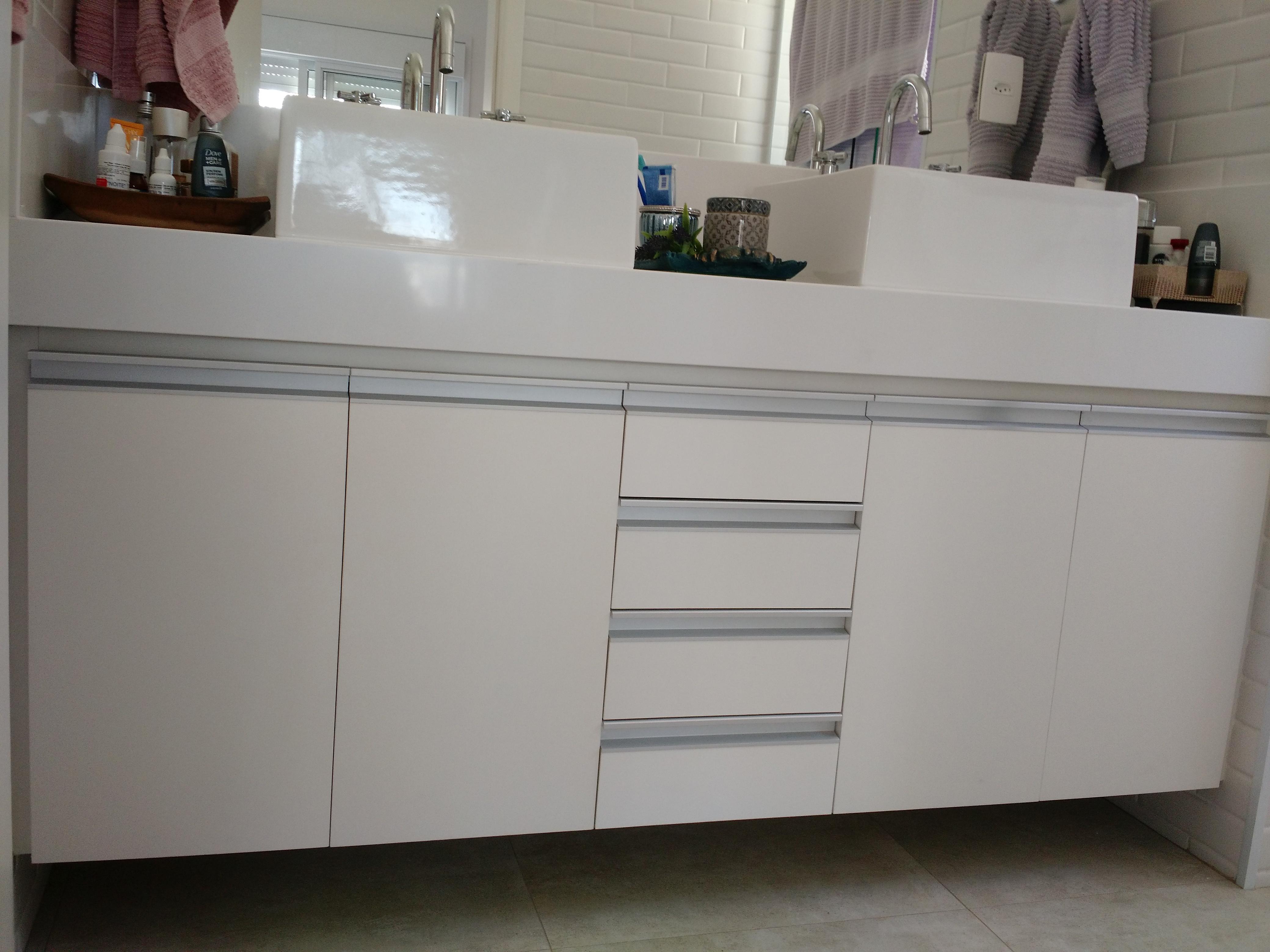 Gabinete Banheiro3