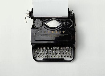 Typwriter - contact Monde PR