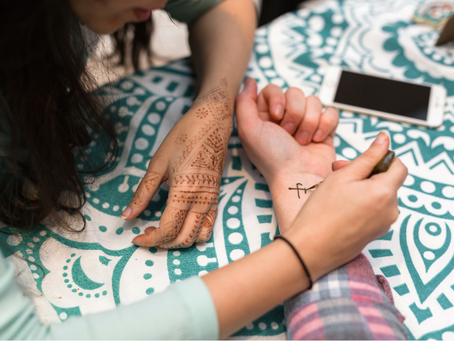4 Life Lessons I Got From Being a Henna Artist