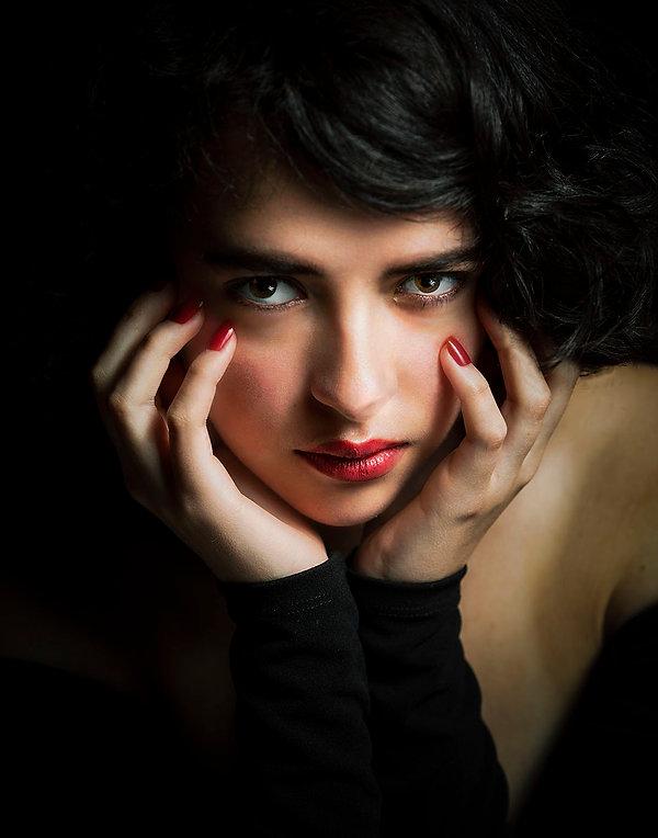 ManuelaMoraTheStarletHOLLYWOOD11x14Small