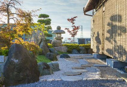 日本庭園の石工事
