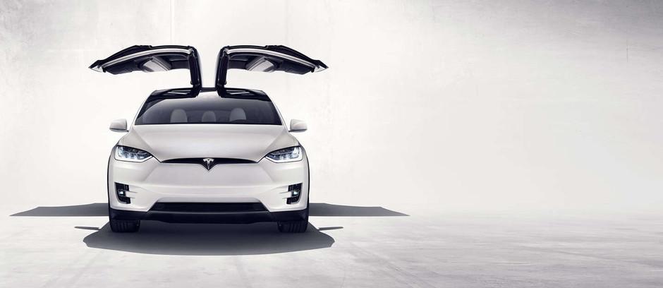 Тесла модель X официально становится самым безопасным внедорожником.