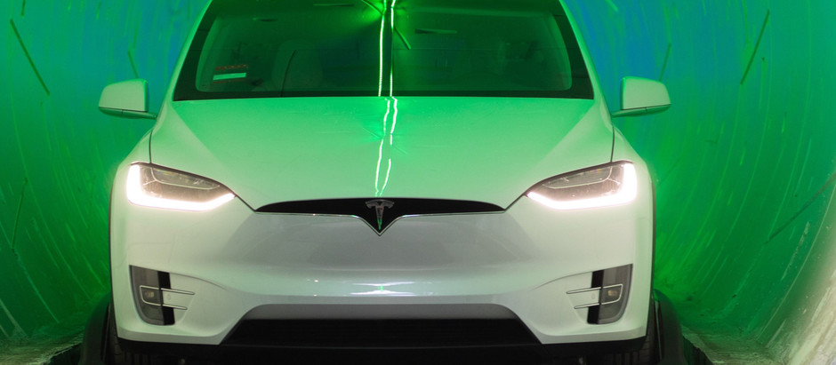 Tesla устроила гонку электрокаров в тоннеле и на поверхности