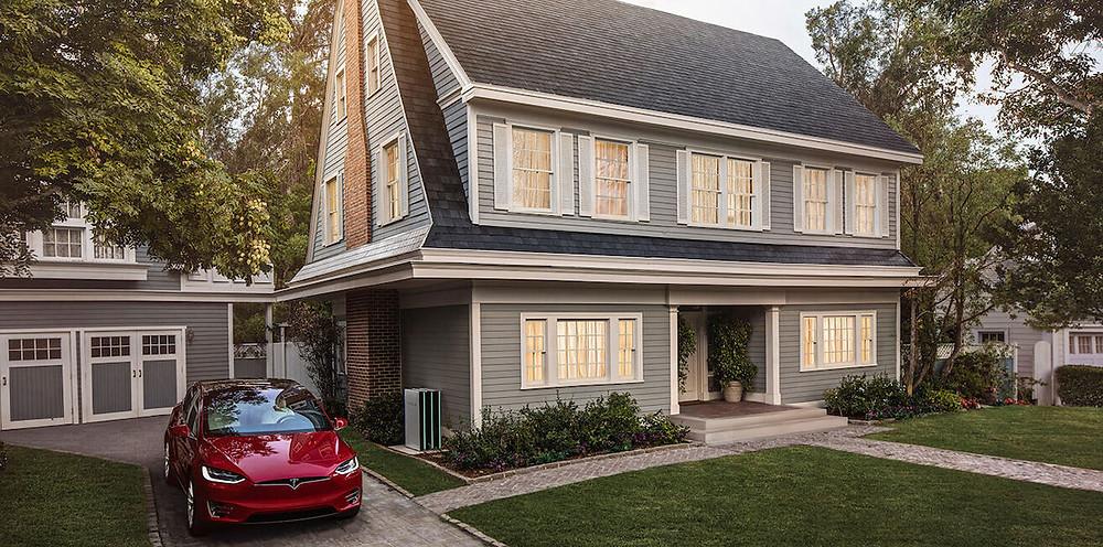 Спрос на солнечную кровлю Tesla превысил предложение менее чем через месяц после старта продаж.