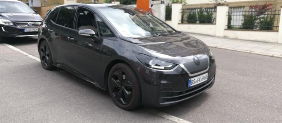 Новые шпионские снимки без камуфляжа Volkswagen ID.3