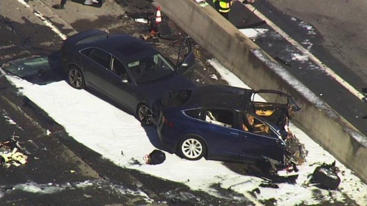 авария Tesla Model X