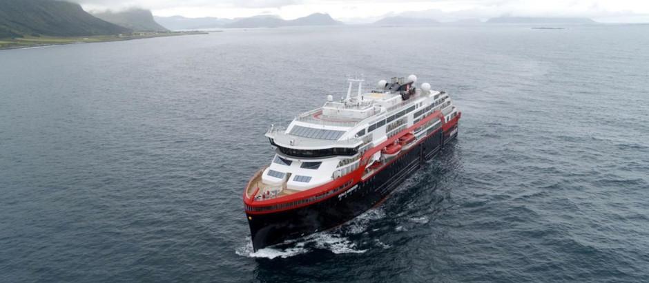 В Арктику отправится первый гибридный круизный лайнер на батарейках