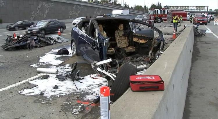 Стала известна причина смертельной аварии электромобиля Tesla Model X