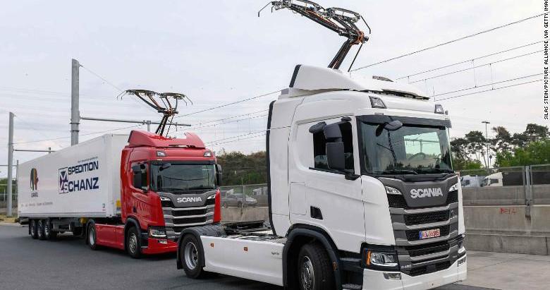 В Германии открыли первую дорогу с подзарядкой для электрогрузовиков