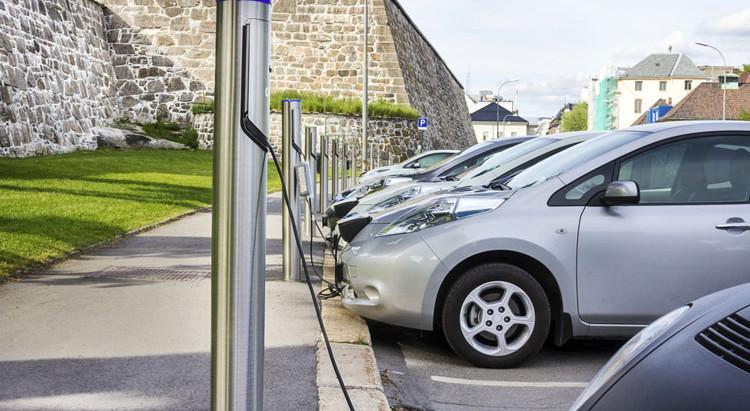Переход на электромобили позволит США экономить десятки миллиардов долларов в год на здравоохранении