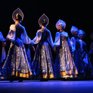 Danseuse Russes- Costumes traditionnels